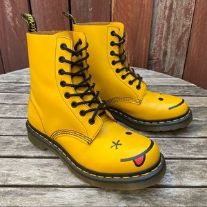 Dr Martens Yellow Smiley 8-Eye Combat Boots Size 8
